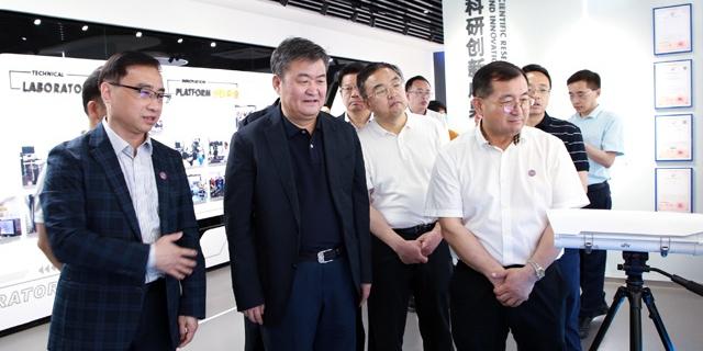 青海省委常委、常务副省长李杰翔来校考察交流