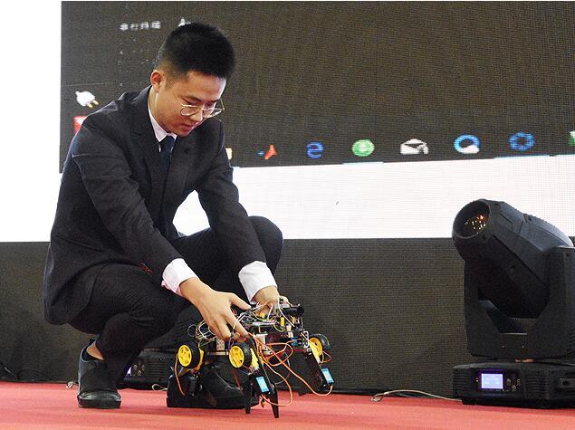 首届全国特种机械创新设计大赛在我校举行